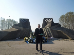 Gradonacelnik Panceva prilikom komemoracije Jevrejima