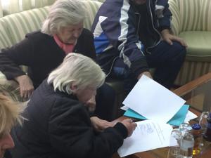 Потписавање уговора о додели две куће избеглим лицима у Панчеву