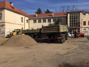 "Obilazak radova na rekonstrukciji sportskog terena OŠ ""Đura Jakšić"""
